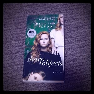 Sharp Objects paperback book